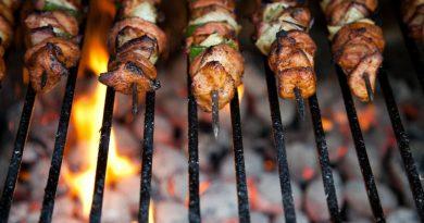 Lav flæskestegen på grill i år